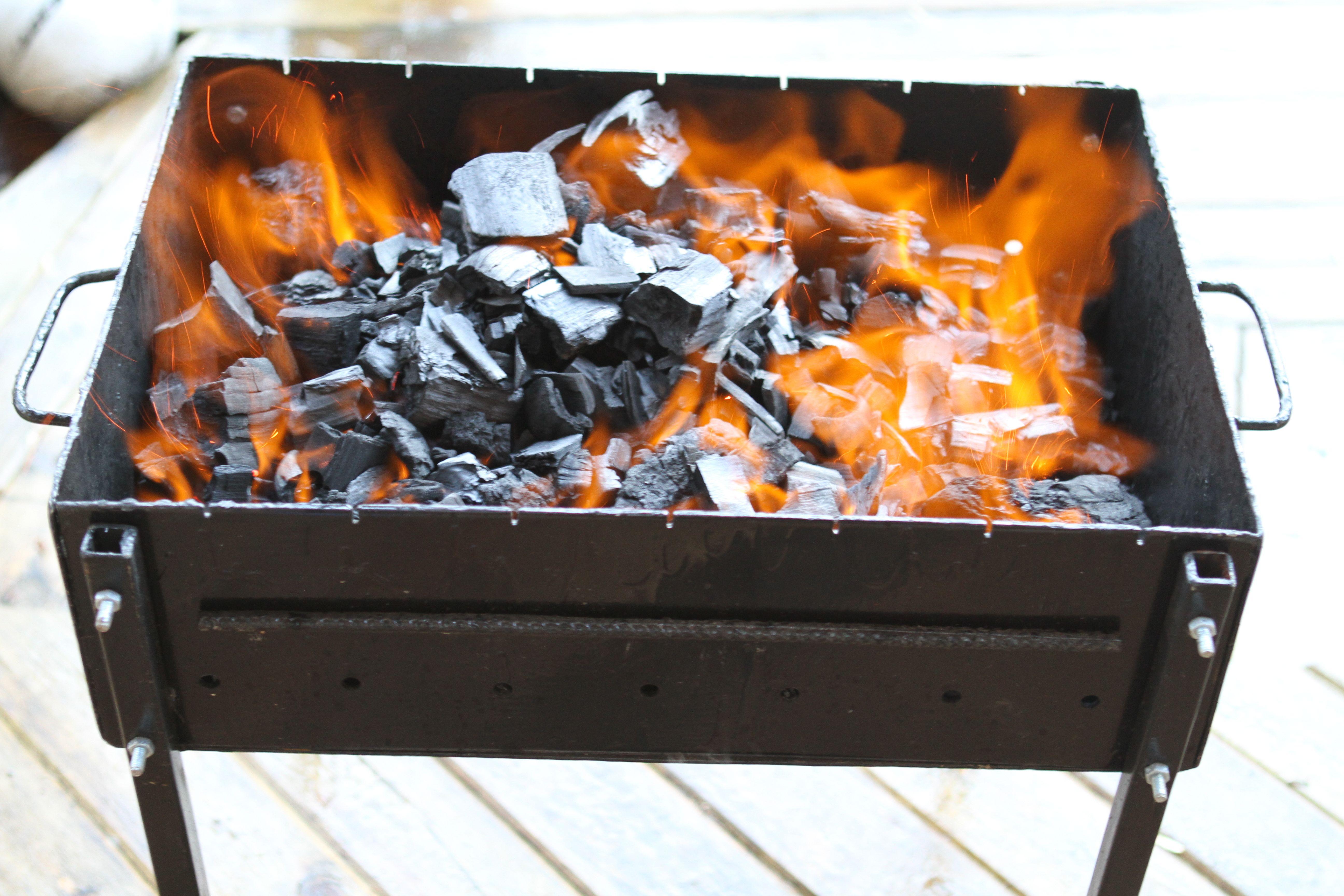 Как использовать древесный уголь для шашлыка